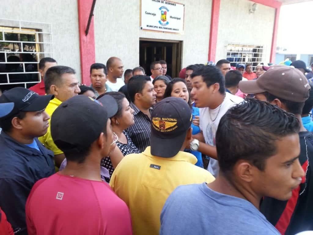 FotoInternaYExterna_Leyenda_Comunidad presionando por la liberación de detenidos_Cortesía_DiarioElVistazo